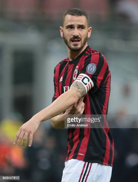 Leonardo Bonucci of AC Milan looks on during the serie A match between AC Milan and US Sassuolo at Stadio Giuseppe Meazza on April 8 2018 in Milan...