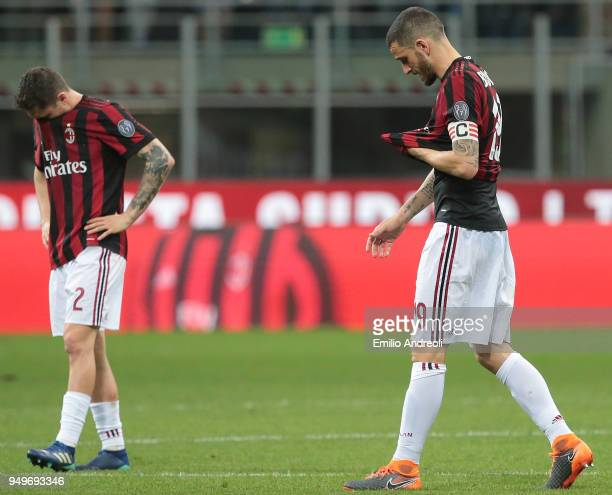 Leonardo Bonucci of AC Milan shows his dejection at the end of the serie A match between AC Milan and Benevento Calcio at Stadio Giuseppe Meazza on...