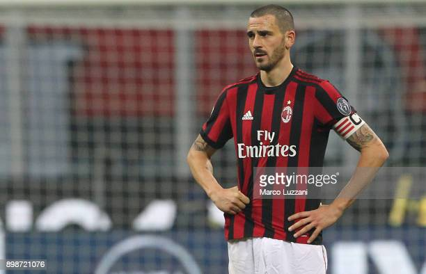 Leonardo Bonucci of AC Milan shows his dejection during the serie A match between AC Milan and Atalanta BC at Stadio Giuseppe Meazza on December 23...