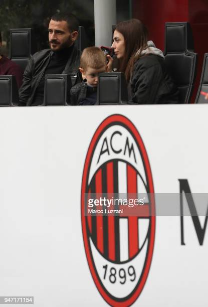 Leonardo Bonucci of AC Milan with his family before the serie A match between AC Milan and SSC Napoli at Stadio Giuseppe Meazza on April 15 2018 in...