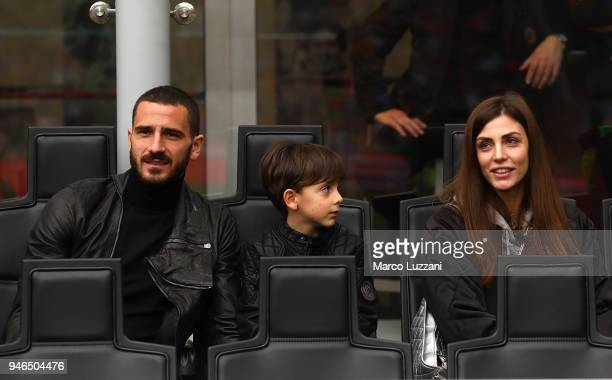 Leonardo Bonucci of AC Milan with his son Lorenzo Bonucci and wife Martina Maccari before the serie A match between AC Milan and SSC Napoli at Stadio...