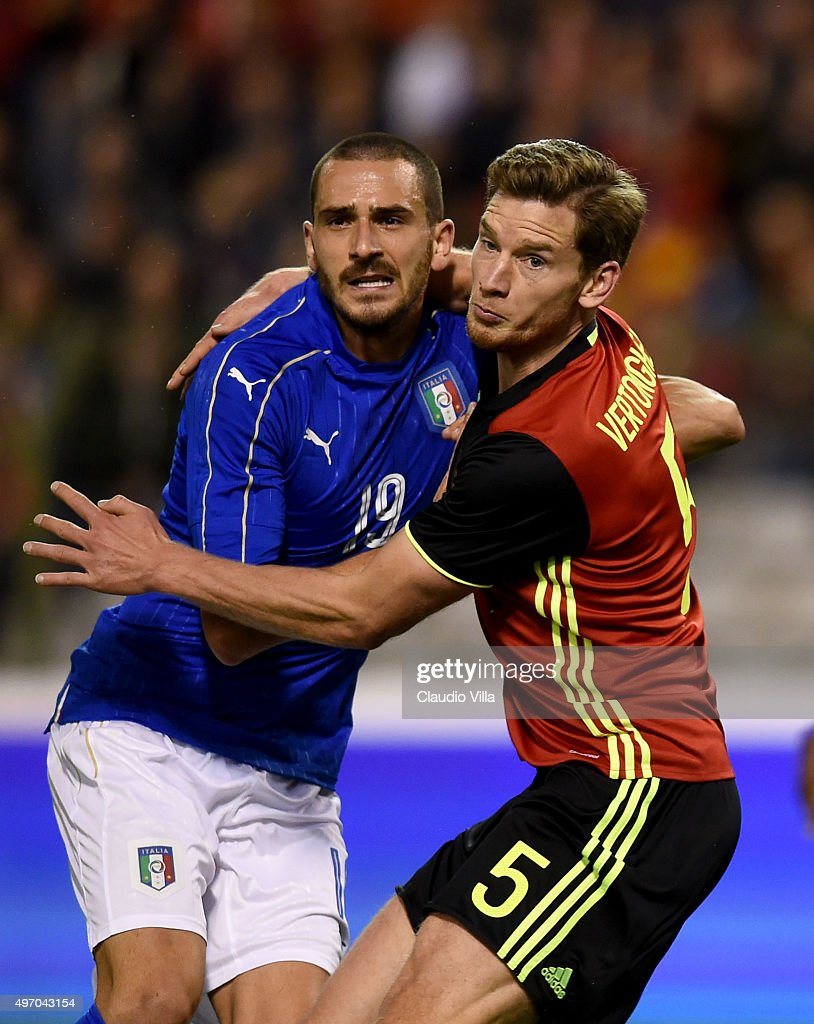 Leonardo Bonucci of Italy (L) and Jan Vertonghen of Belgium compete for the ball during the intermational friendly match between Belgium and Italy at King Baudouin Stadium on November 13, 2015 in Brussels, Belgium.