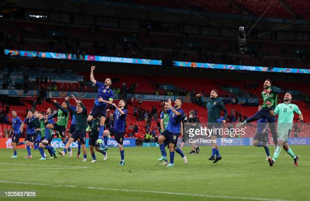 Leonardo Bonucci of Italy and teammates celebrate after victory in the UEFA Euro 2020 Championship Round of 16 match between Italy and Austria at...