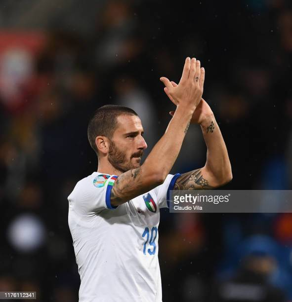 Leonardo Bonucci of Italy celebrates at the end of the UEFA Euro 2020 qualifier between Liechtenstein and Italy on October 15, 2019 in Vaduz,...