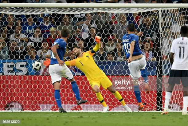 Leonardo Bonucci of Italy scores the goal during the International Friendly match between France and Italy at Allianz Riviera Stadium on June 1 2018...