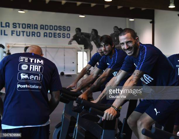 Leonardo Bonucci of Italy train inside the new gym during a Italy training session at Centro Tecnico Federale di Coverciano on October 8, 2018 in...