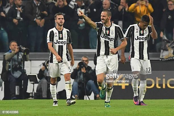 Leonardo Bonucci of Juventus FC celebrates after scoring the opening goal during the Serie A match between Juventus FC and SSC Napoli at Juventus...