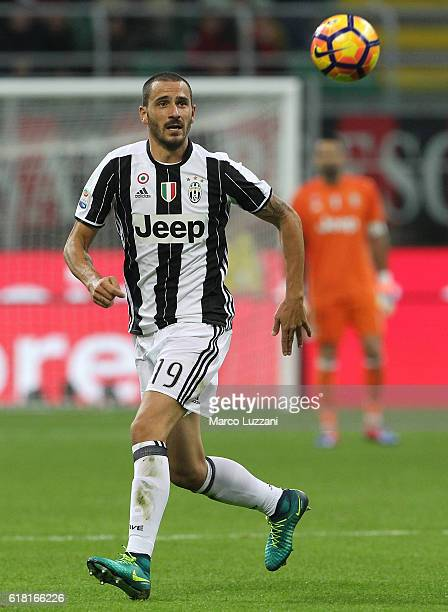 Leonardo Bonucci of Juventus FC in action during the Serie A match between AC Milan and Juventus FC at Stadio Giuseppe Meazza on October 22 2016 in...