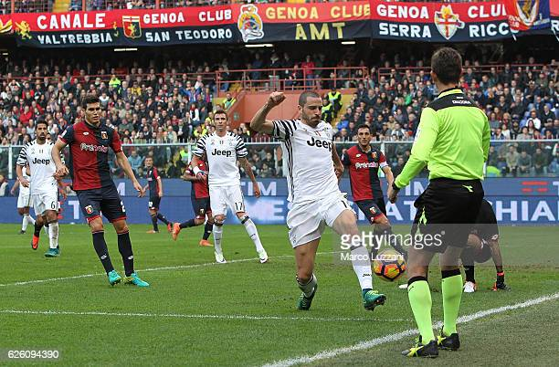 Leonardo Bonucci of Juventus FC suffers an injury as he attempts to control the ball during the Serie A match between Genoa CFC and Juventus FC at...