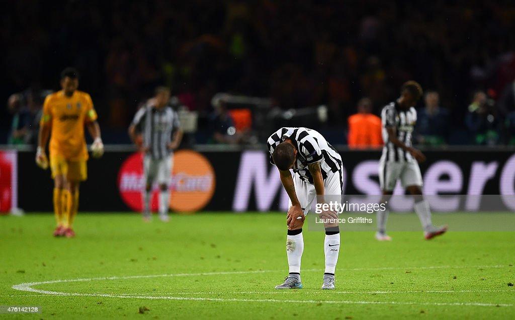 Juventus v FC Barcelona  - UEFA Champions League Final : News Photo