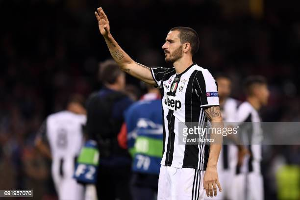 Leonardo Bonucci of Juventus shows appreciation to the fans after the UEFA Champions League Final between Juventus and Real Madrid at National...