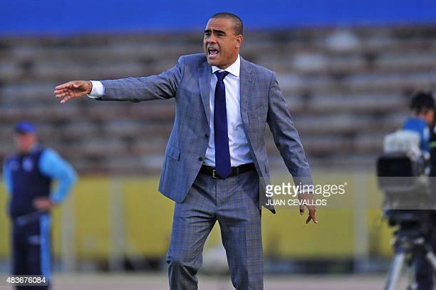 Leonardo Gonzalez coach of Venezuela's La Guairá gestures during the Copa Sudamericana football match against Ecuador's Universidad Catolica held at...