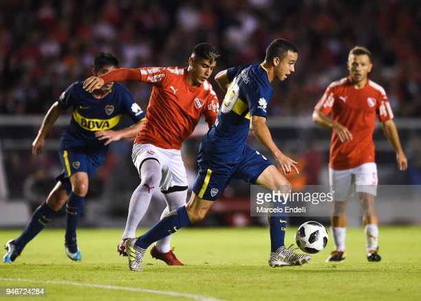 Leonardo Jara of Boca Juniors drives the ball during a match between Independiente and Boca Juniors as part of Superliga 2017/18 at Libertadores de...