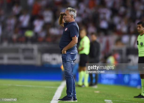 Leonardo Madelon coach of Union looks on during a match between River Plate and Union as part of Round 12 of Superliga 2018/19 at Estadio Monumental...