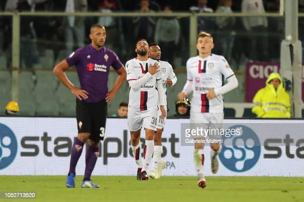 Leonardo Pavoletti of Cagliari celebrates the goal during the Serie A match between ACF Fiorentina and Cagliari at Stadio Artemio Franchi on October...
