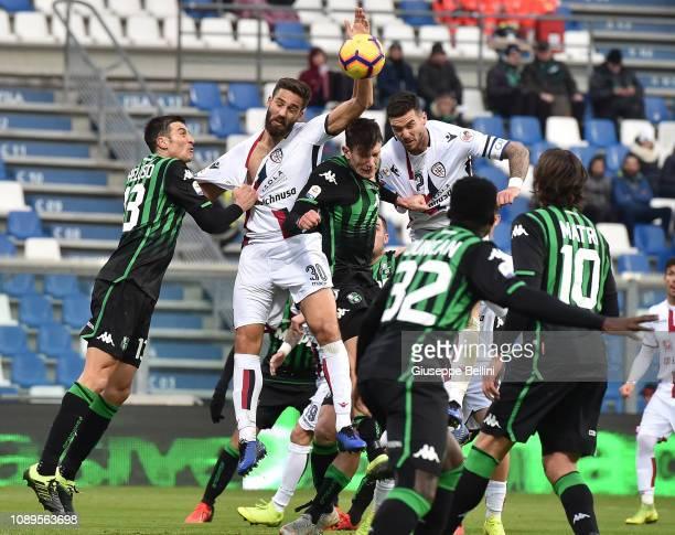 Leonardo Pavoletti of Cagliari in action during the Serie A match between US Sassuolo and Cagliari at Mapei Stadium Citta' del Tricolore on January...