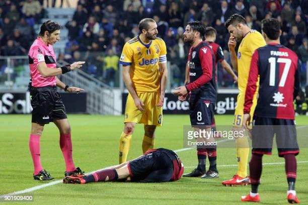 Leonardo Pavoletti of Cagliari injured during the serie A match between Cagliari Calcio and Juventus at Stadio Sant'Elia on January 6 2018 in...