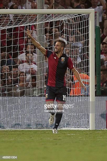 Leonardo Pavoletti of Genoa CFC celebrates after scoring a goal during the Serie A match between Genoa CFC and Hellas Verona FC at Stadio Luigi...