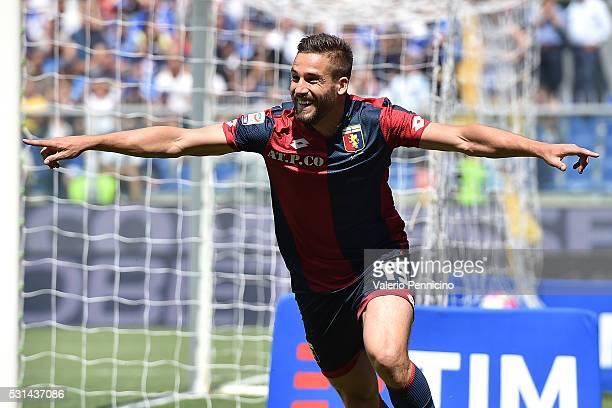 Leonardo Pavoletti of Genoa CFC celebrates after scoring the opening goal during the Serie A match between UC Sampdoria and Genoa CFC at Stadio Luigi...