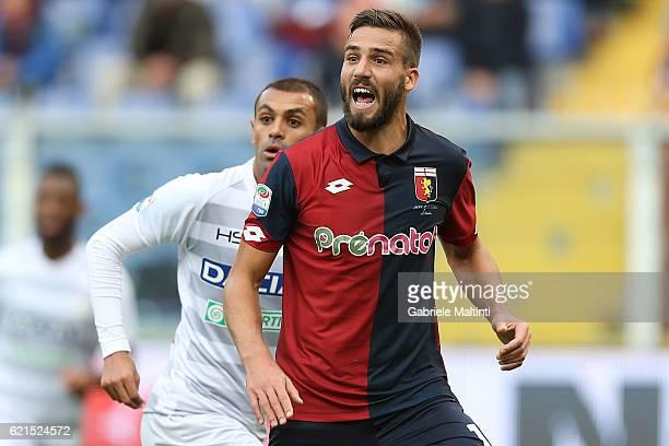 Leonardo Pavoletti of Genoa CFC in action during the Serie A match between Genoa CFC and Udinese Calcio at Stadio Luigi Ferraris on November 6 2016...