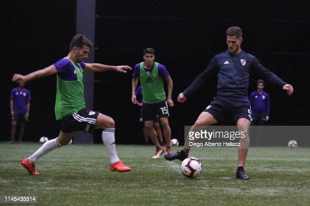 Leonardo Ponzio and Bruno Zuculini of River Plate during a training session at CAT Alfredo Gottardi on May 21 2019 in Curitiba Brazil River Plate...