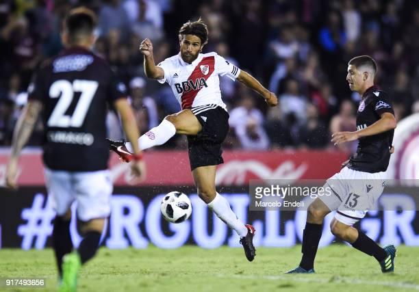Leonardo Ponzio of River Plate kicks the ball during a match between Lanus and River Plate as part of the Superliga 2017/18 at Ciudad de Lanus...
