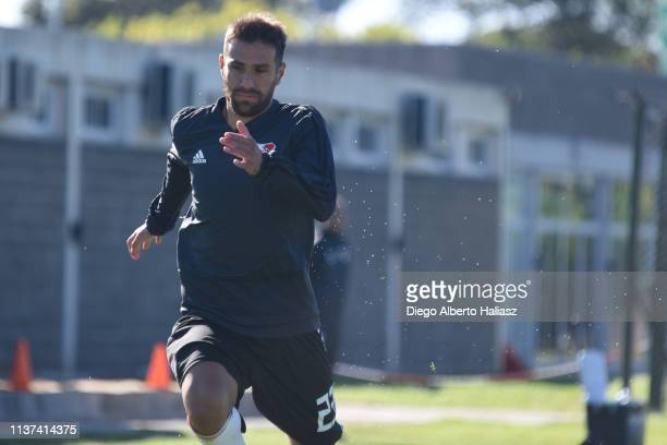 Leonardo Ponzio of River Plate runs during a training session at River Camp Ezeiza on March 21 2019 in Buenos Aires Argentina