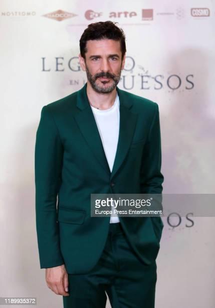 Leonardo Sbaraglia attends the 'Legado en los huesos' photocall at Hotel Urso on November 25 2019 in Madrid Spain