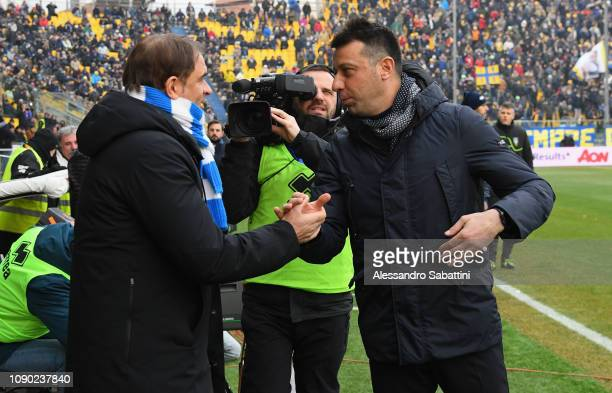 Leonardo Semplici head coach of Spal shankes hands with Robeto D'Aversa of Parma Calcio during the Serie A match between Parma Calcio and SPAL at...