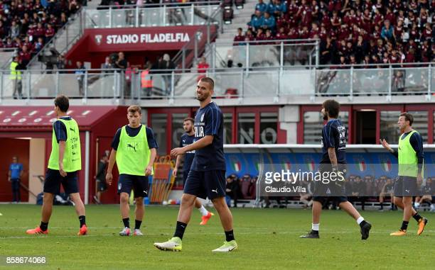 Leonardo Spinazzola of Italy looks on during a Italy training session at Filadelfia Stadium on October 7 2017 in Turin Italy