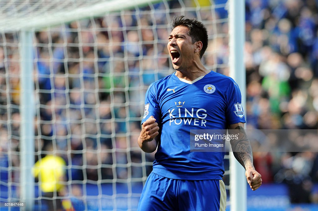 Leonardo Ulloa of Leicester City celebrates after scoring to make it 2-2 during the Barclays Premier League match between Leicester City and West Ham at the King Power Stadium on April 17 , 2016 in Leicester, United Kingdom.