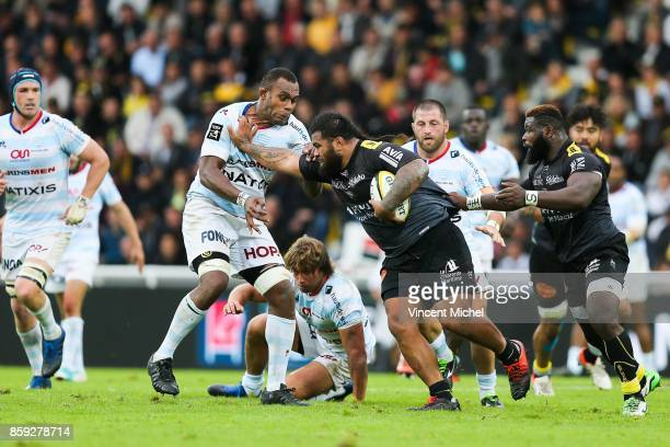 Leone Nakarawa of Racing92 and Vincent Pelo of La Rochelle during the Top 14 match between La Rochelle and Racing 92 on October 8 2017 in La Rochelle...