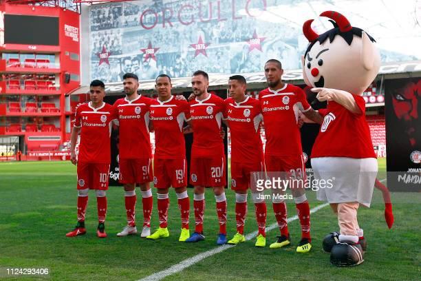 Leonel Lopez Emmanuel Gigliotti Edgar Pardo Federico Mancuello Carlos Esquivel and Jonathan Maidana pose for the media as part of Toluca FC's new...