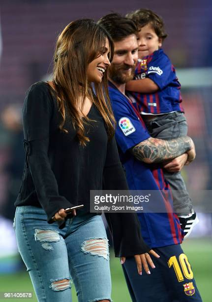 Leonel Messi smiles with his son Mateo Messi and wife Antonella Roccuzzo at the end the La Liga match between Barcelona and Real Sociedad at Camp Nou...