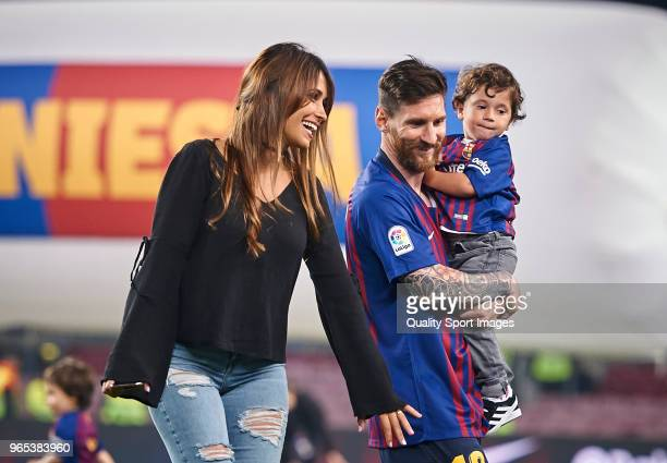 Leonel Messi smiles with his son Mateo Messi and wife Antonella Roccuzzo at the end of the La Liga match between Barcelona and Real Sociedad at Camp...