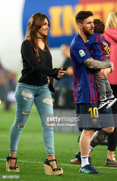 Leonel Messi walks with his son Mateo Messi and wife Antonella Roccuzzo at the end the La Liga match between Barcelona and Real Sociedad at Camp Nou...