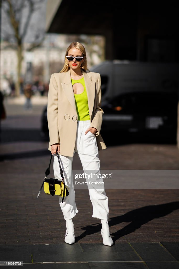 Street Style - LFW February 2019 : News Photo