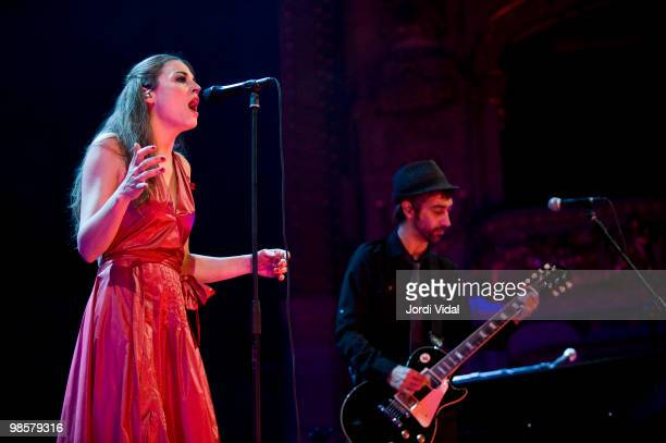 Leonor Watling and Alejandro Pelayo of Marlango perform on stage at Gran Teatre Del Liceu on April 20, 2010 in Barcelona, Spain.