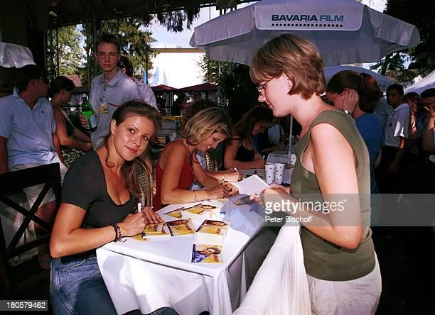 Leonore Capell, Sabine Bohlmann, Susanne Steidle 1. Bundes-Soap-Fußballturnier, Autogramme, Schreiben, Schirm, Sonnenschirm, Regenschirm,