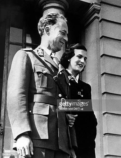 Leopold III von Belgien *Koenig von 19341951 mit seiner Frau Prinzessin Liliane de Rethy 1954