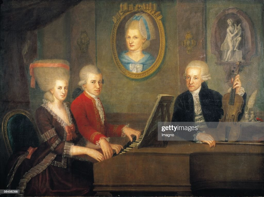 Leopold Mozart with his children : News Photo