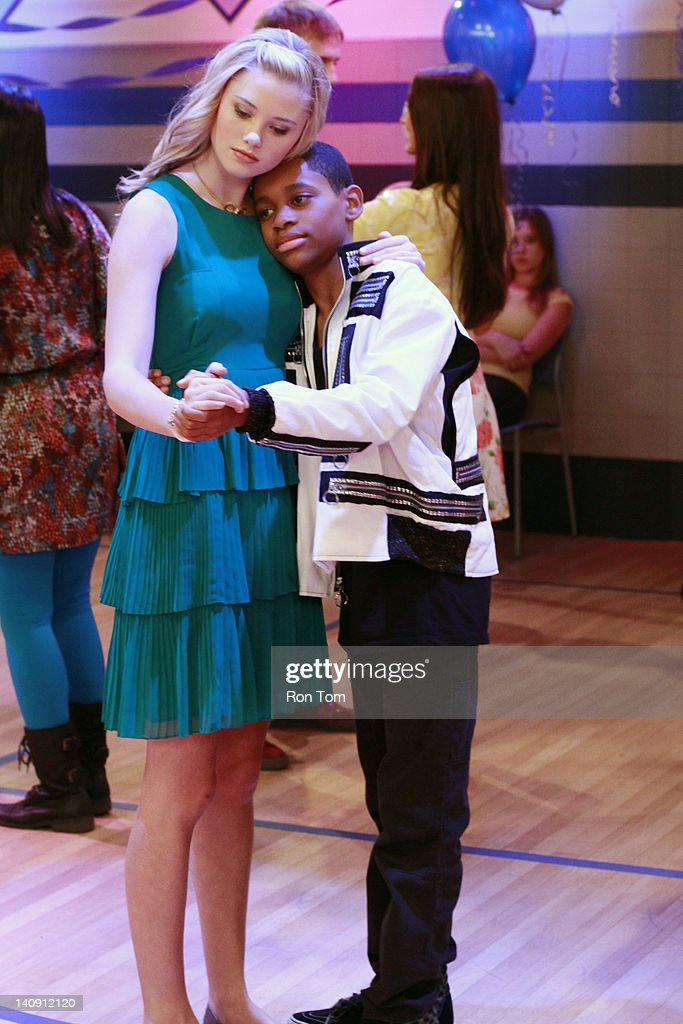 lab rats leo s jam when leo needs help asking a girl to the
