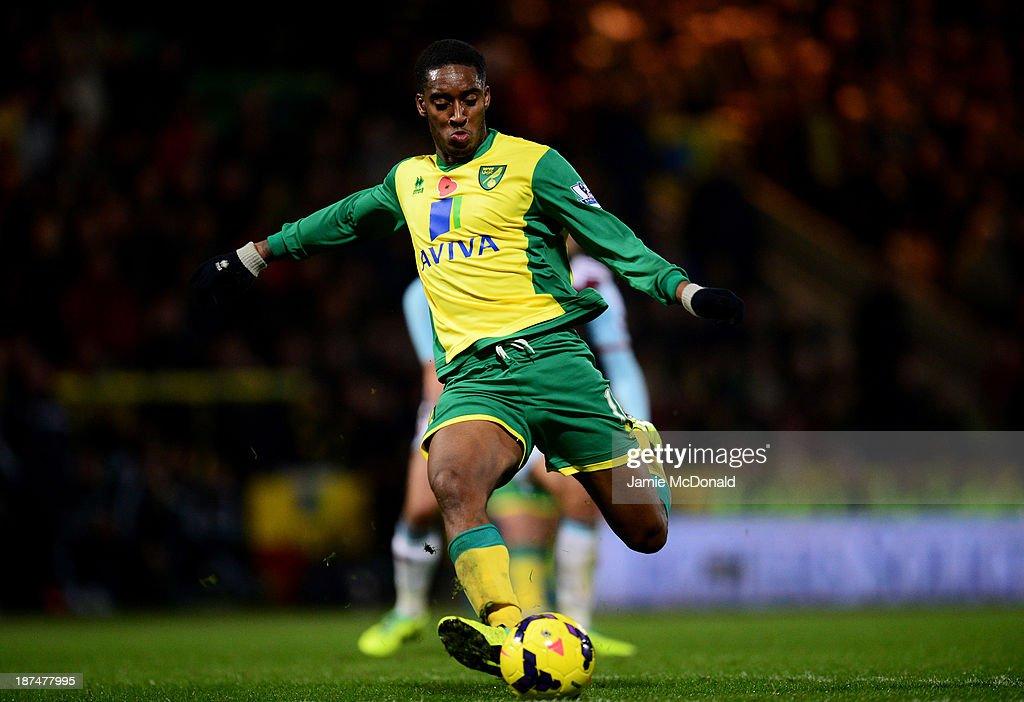 Norwich City v West Ham United - Premier League