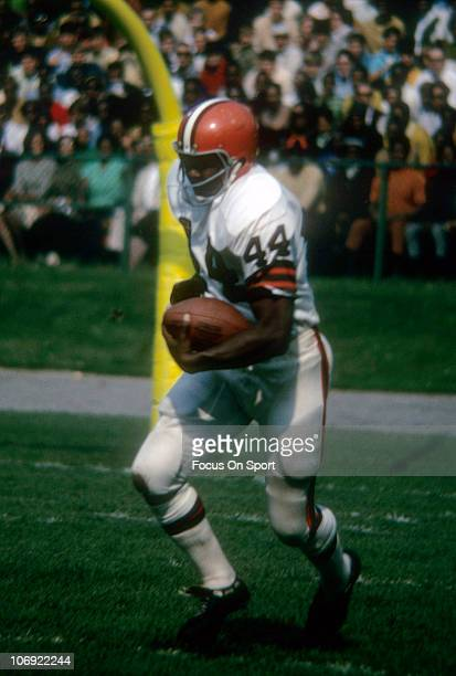 Leroy Kelly of the Cleveland Browns carries the ball during an NFL football game circa 1968 Kelly played for the Browns from 196573