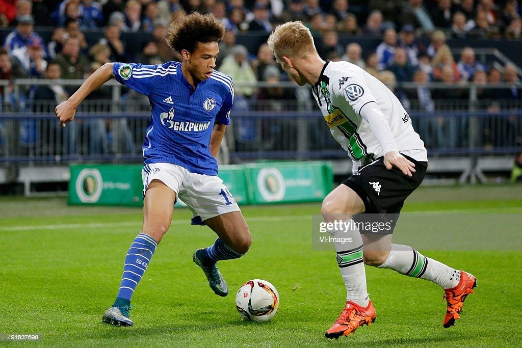 "DFB Pokal - ""Schalke o4 v Borussia Monchengladbach"" : News Photo"