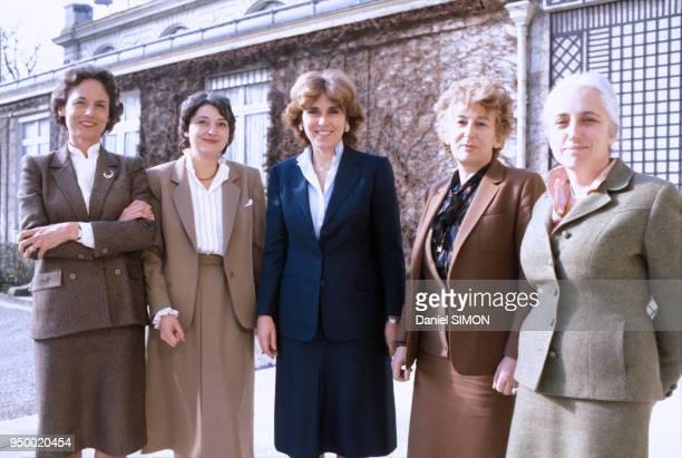Les 5 femmes ministres du gouvernement Mauroy de gauche à droite Catherine Lalumière Edwige Avice Edith Cresson Yvette Roudy et Nicole Questiaux le...