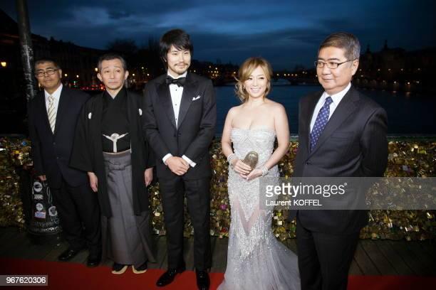 Les acteurs japonais Ayumi Hamasaki Ken'ichi Matsuyama Toshiaki Komura Kozo Morishita lors de la première du film Bouddha 2 le 27 janvier 2014 sur le...
