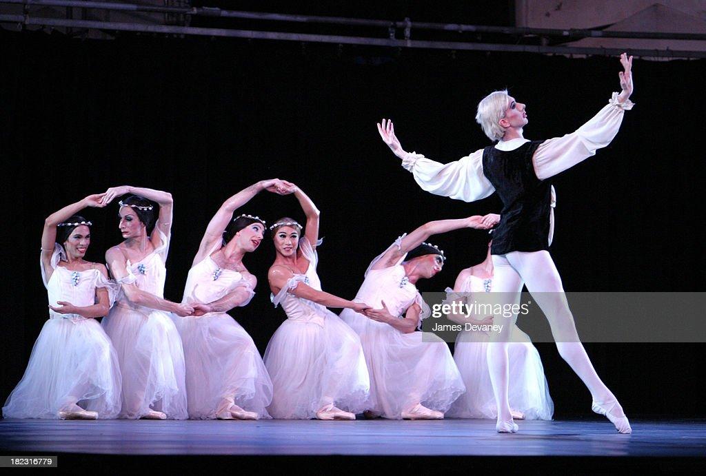Les Ballets Trockadero De Monte Carlo during Lincoln Center Out of Doors Presents Les Ballets Trockadero  sc 1 st  Getty Images & Lincoln Center Out of Doors Presents Les Ballets Trockadero De Monte ...