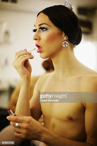 Les Ballets Trockadero de Monte Carlo performer apllies make up backstage on September 16 2008 in London England The all male troup of professional...