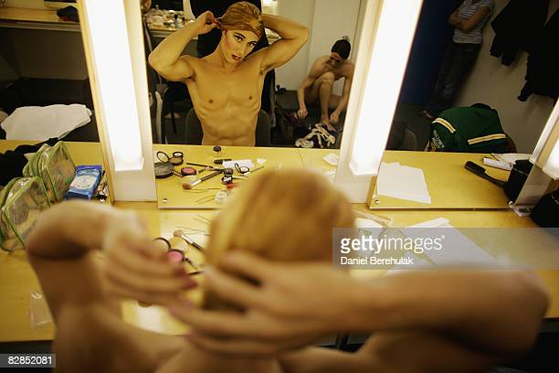 Les Ballets Trockadero de Monte Carlo performer prepares backstage on September 16 2008 in London England The all male troup of professional...